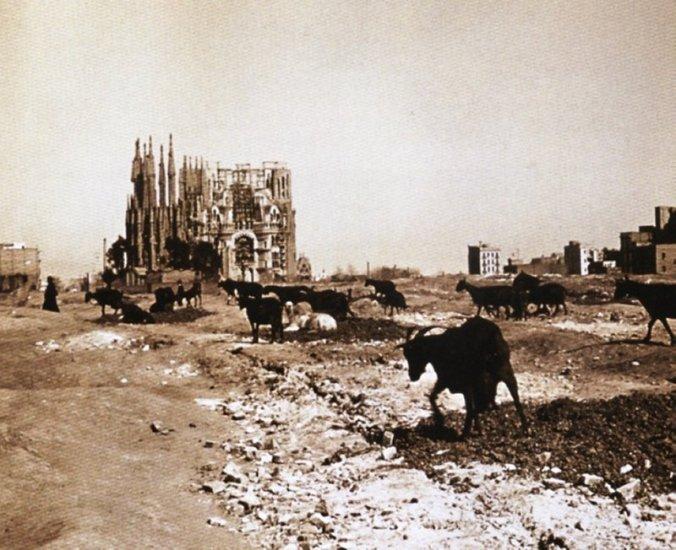 Sagrada_Familia_1915